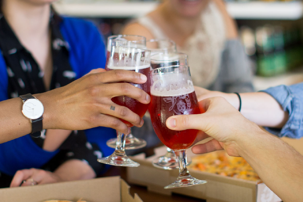 Find alcohol delivery and takeout options in Waterloo, IA.