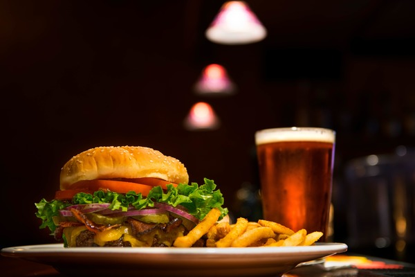 Find late night food delivery and takeout options in Fond du Lac, WI.