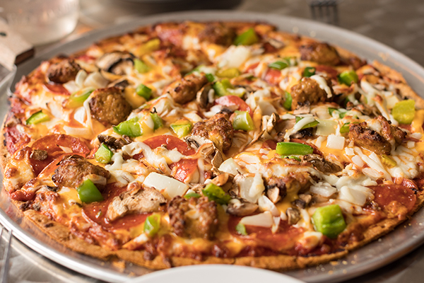 Find pizza delivery and takeout options in Salina.